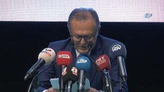 Edip Uğur AK Parti ve başkanlığı bıraktı