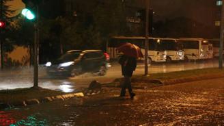 Edirne'de sağanak etkisini sürdürüyor