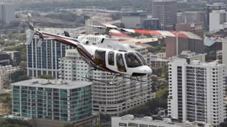 İngiltere'de helikopterle uçak çarpıştı