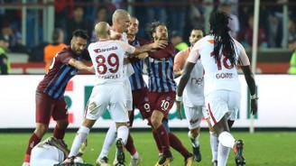 Olcay ve Feghouli'ye 3'er maç ceza