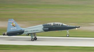 ABD'de askeri eğitim uçağı düştü: 1 ölü