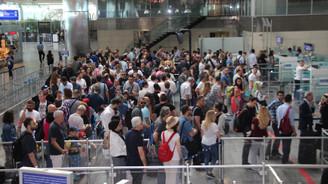 Havayoluyla taşınan yolcu sayısı 165 milyona yaklaştı