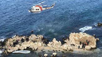 Kayalıklarda mahsur kalan göçmenler kurtarıldı