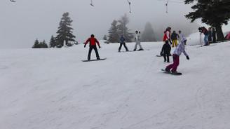 Kar, doluluğu yüzde 95'e taşıdı, kış turizmcisinin yüzü güldü