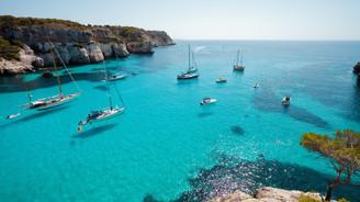 Akdeniz'de turizm pazarı kızışıyor