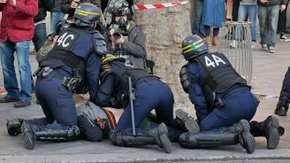 Fransa'da polise yönelik protestolar devam ediyor
