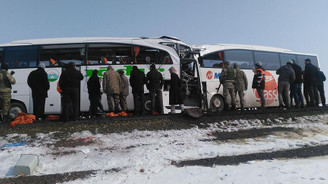 İki yolcu otobüsü çarpıştı: 7 ölü