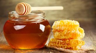 Canan Karatay: Bal sıvı şekerdir