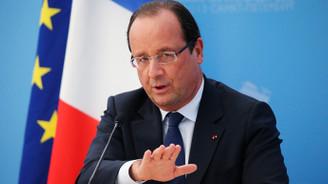 Hollande konuşurken askerin silahı ateş aldı: 2 yaralı
