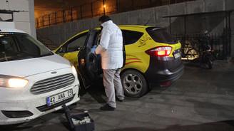 Taksi şoförü kalbinden bıçaklandı