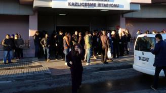 Marmaray'da arıza seferleri aksattı