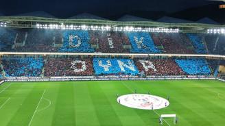 Trabzonspor yeni stadında tribünleri doldurdu