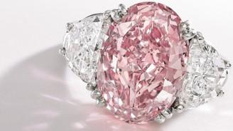 50 milyon dolarlık pembe elmas sahibini arıyor