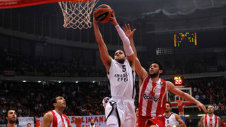 Anadolu Efes, Olympiakos'u mağlup etti