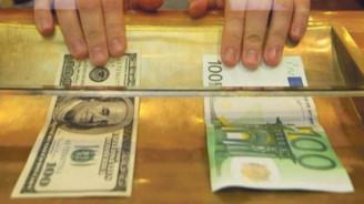 Dolar serbest piyasada 3,70'ten açıldı