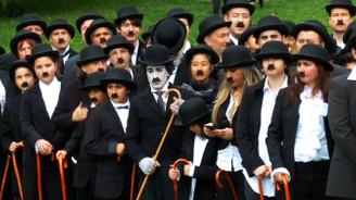 662 kişi Charlie Chaplin oldu