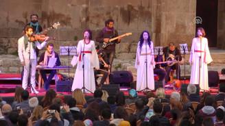 Akdamar Adası'nda 10 dilde konser