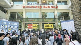 İzmir Kitap Fuarı'nda ziyaretçi rekoru kırıldı...