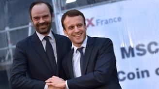 Macron, hükümeti onayladı