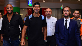Fenerbahçe'nin yeni transferi Dirar, İstanbul'a geldi