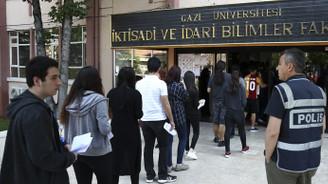 Öğrenciler LYS-2'de ter döktü