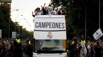Real Madrid kupayı evinde kutladı