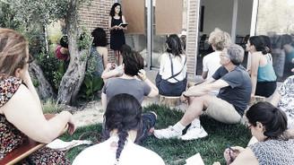 Ekolojik topluluklardan ilham aldılar, Karaburun'da 'Zeytin Okulu' açtılar