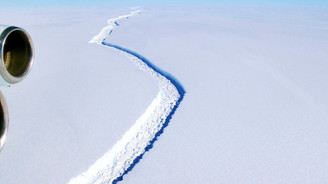 Londra'nın dört katı büyüklüğündeki buz dağı koptu