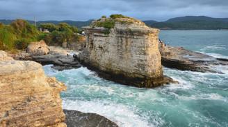 Kerpe'nin doğa harikası 'Kartal Kayaları'