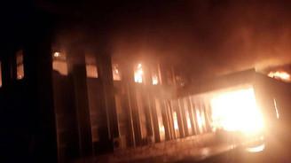 Kırklareli'nde bir fabrika kül oldu