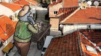 Şehrin sokaklarını lilliputlarla tanıtıyor