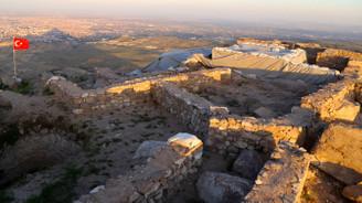 Dağın zirvesinde alttan ısıtmalı Sultan Hamamı bulundu
