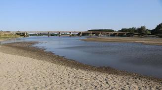 Tunca Nehri'nde su seviyesi dip yaptı