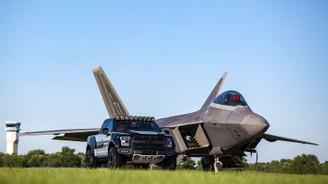 Ford'dan uçan canavar: F-150 Raptor F 22 Concept