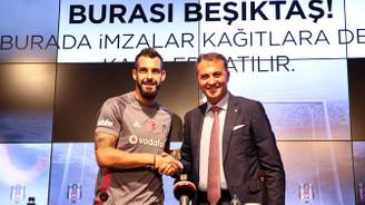 Beşiktaş, Negredo'yu basına tanıttı