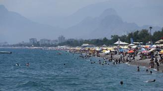 'Antalya'ya gelen turist sayısı 10 milyonu geçecek'