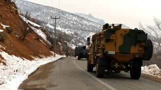 Hakkari'de füzeli saldırı: 1 asker şehit