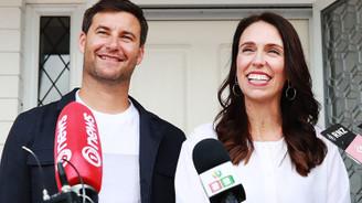 Görevdeyken anne olan ikinci başbakan olacak