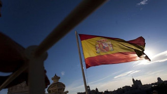 İspanya'nın notu A- seviyesine yükseldi