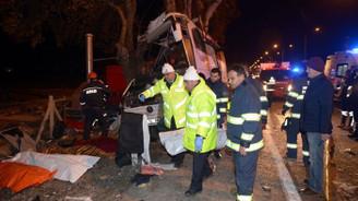 Otobüs kazası: 11 ölü, 44 yaralı