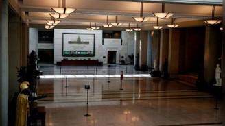 ABD'de federal hükümet haftaya kapalı başladı
