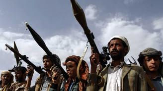 Husilerden askeri geçit törenine roketli saldırı: 11 ölü