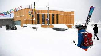 İsviçre'de 9 bin turist mahsur kaldı