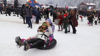 Ayder Kardan Adam Şenliği'nde renkli görüntüler