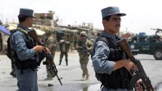 Kabil'de askeri birliğe saldırıda 5 asker öldü
