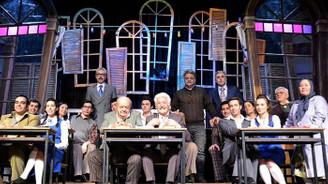 Hababam Sınıfı yeniden tiyatroda