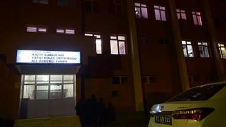 Üzerine dolap düşen öğrencinin okul müdürü açığa alındı
