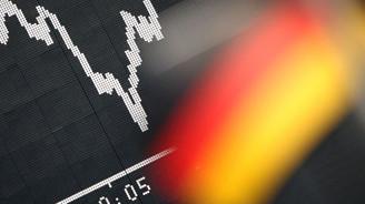 Alman ekonomisi yıllar sonra daraldı