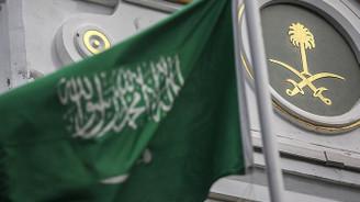 Almanya Suudi Arabistan'a silah ihracatını tamamen durdurdu