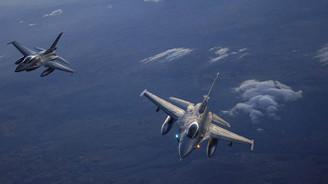 Rus ve ABD uçakları Karadeniz'de karşı karşıya geldi